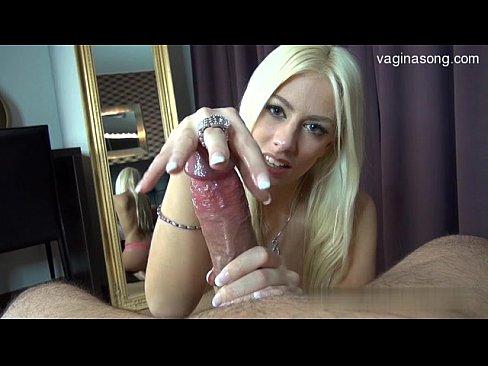 Porno com Loira deliciosa no Boquete guloso