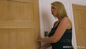 Video porno boa transa no cuzinho da loira adorou