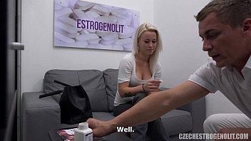 Massagem erotica e pedido de emprego