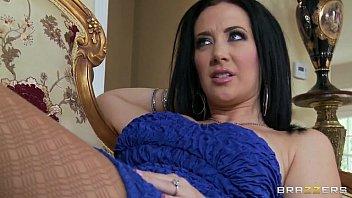 Ela ficou olhando para seu namorado e fodeu gostoso