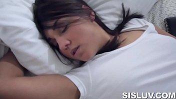 Porntube comendo irma dormindo pelada