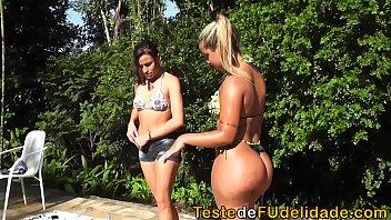 Sexo lésbico com gostosas brasileiras