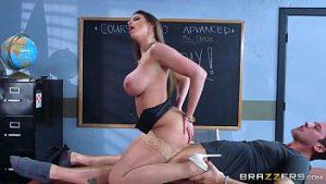 Foda com professora perfeitinha linda no xvideo