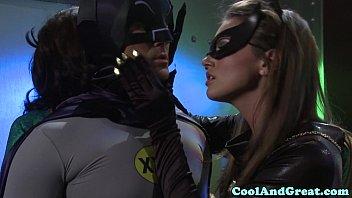 Porno parodia com Batman comendo a mulher maravilha