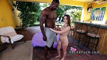 Novinha gostosa dando a buceta linda