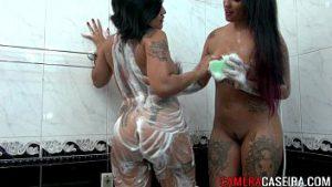 Videos de mulheres tomando banho