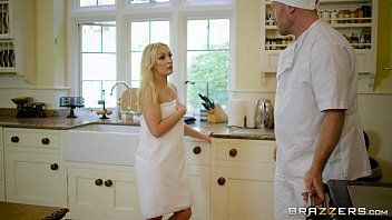 Comendo a mulher na cozinha