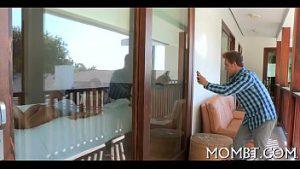 Marido pega esposa no motel