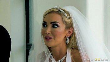 Casal fazendo amor depois do casamento