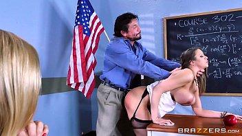 Legal porno e novinha ninfeta dando na escola